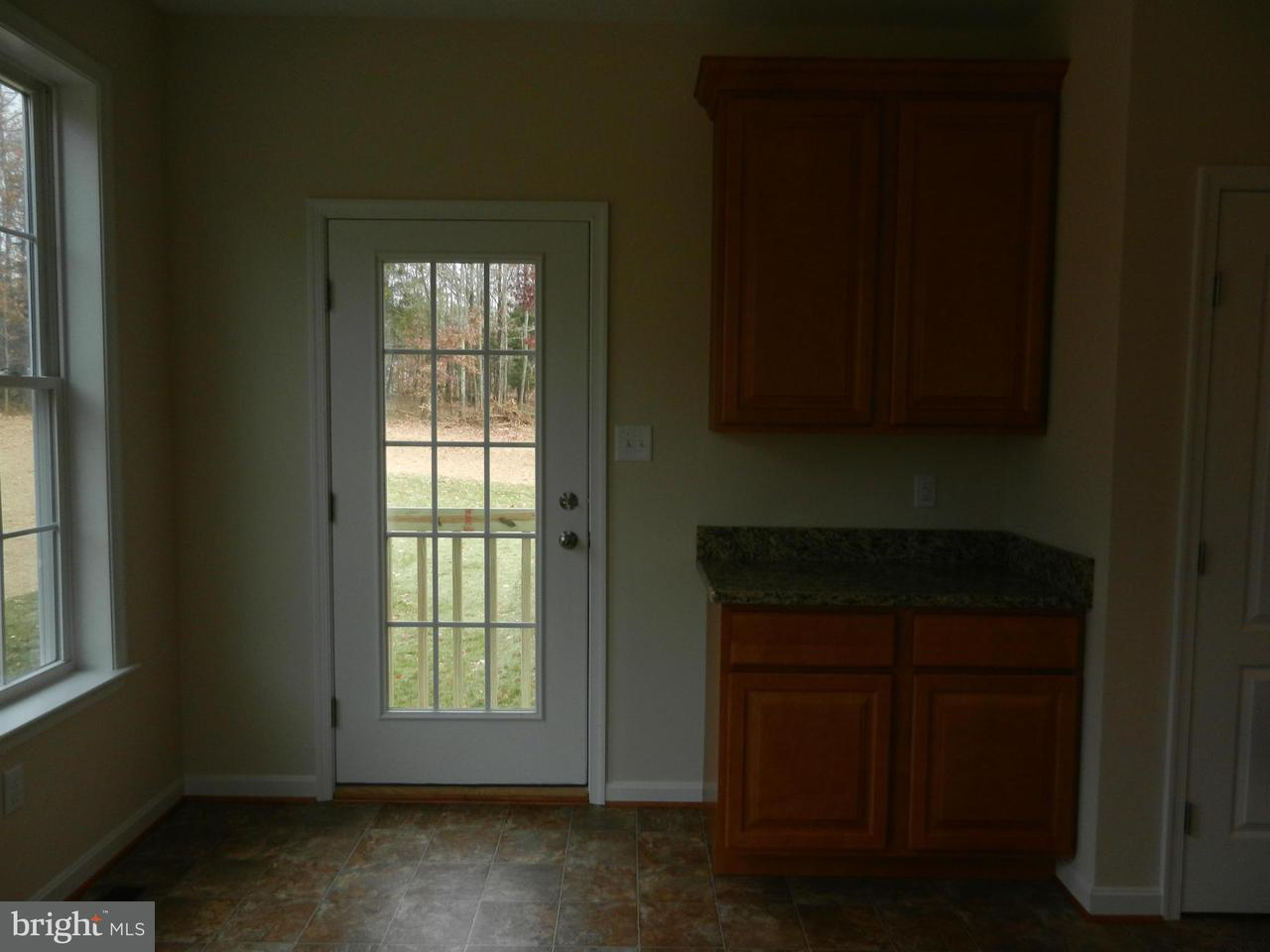 Additional photo for property listing at 7224 JOCKEY Court 7224 JOCKEY Court Hughesville, Maryland 20637 États-Unis