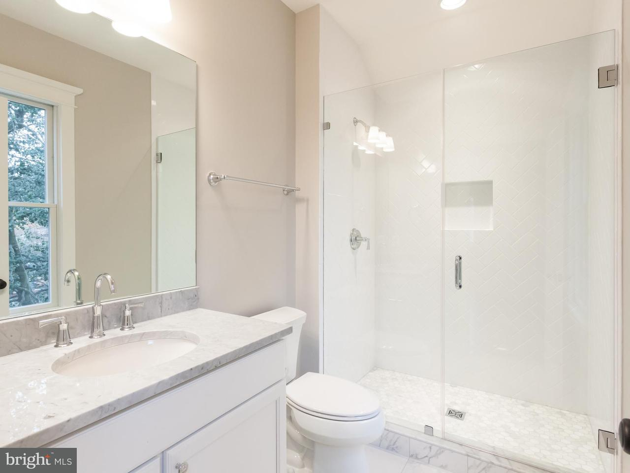 Single Family Home for Sale at 3737 VERMONT Street 3737 VERMONT Street Arlington, Virginia 22207 United States