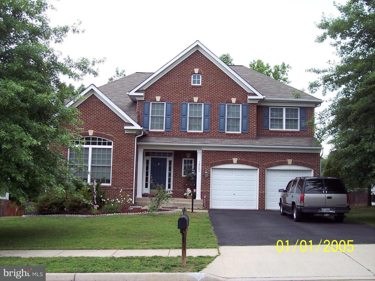 獨棟家庭住宅 為 出售 在 19208 BUNA Street 19208 BUNA Street Triangle, 弗吉尼亞州 22172 美國