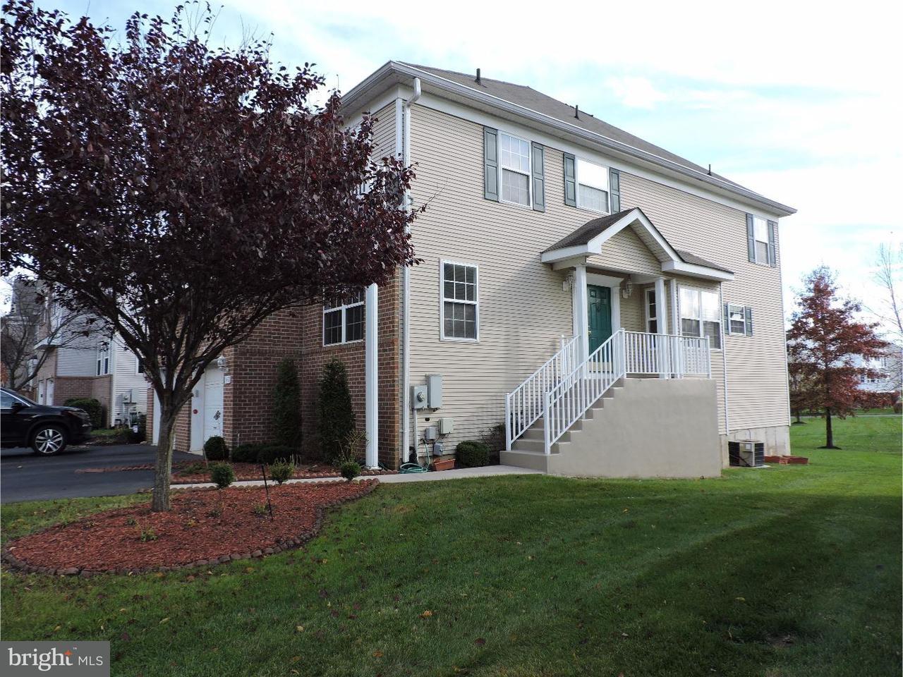 联栋屋 为 出租 在 147 FOUNTAYNE Lane 劳伦斯维尔, 新泽西州 08648 美国在/周边: Lawrence Township