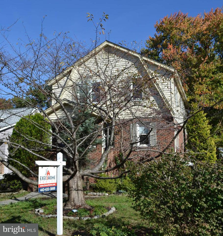 Single Family for Sale at 3042 Fleetwood Ave Baltimore, Maryland 21214 United States