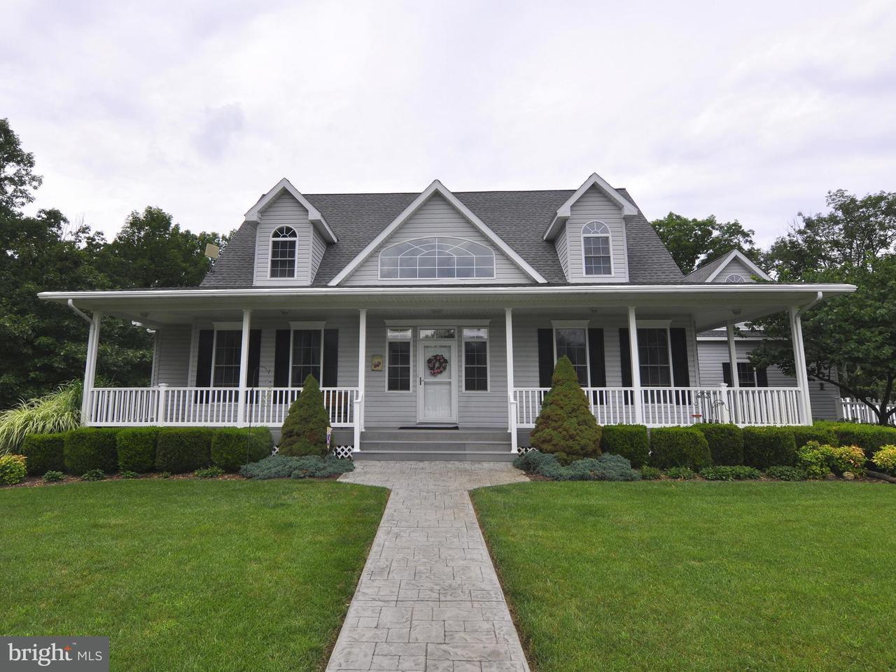 Casa Unifamiliar por un Venta en 240 Donegal Lane 240 Donegal Lane Berkeley Springs, West Virginia 25411 Estados Unidos