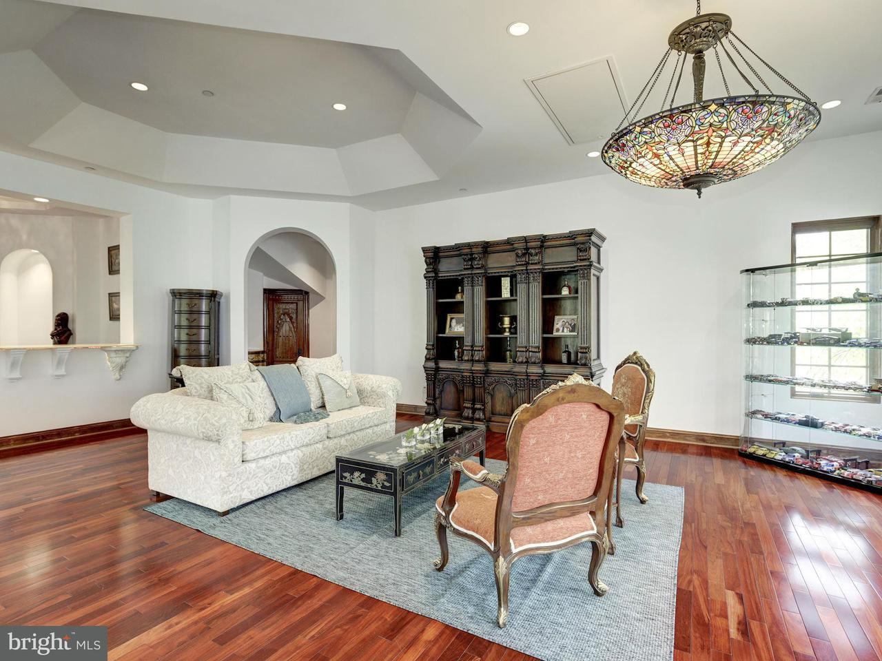 Additional photo for property listing at 9101 RIVER Road 9101 RIVER Road Potomac, Maryland 20854 United States