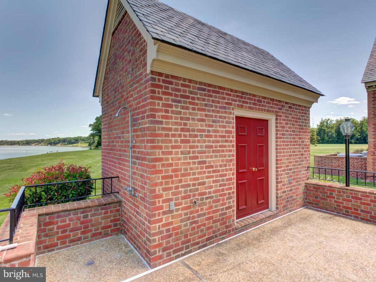 Additional photo for property listing at 16207 Tidewater Trail 16207 Tidewater Trail Tappahannock, Virginia 22560 Stati Uniti