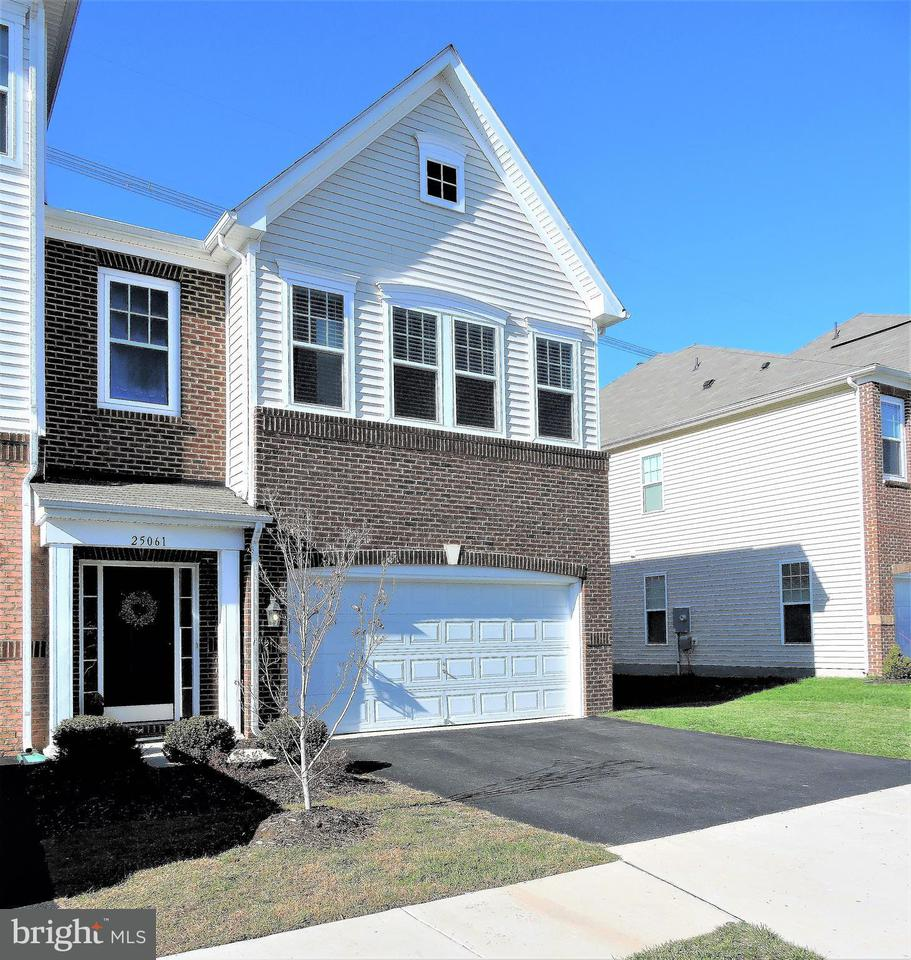 Townhouse for Sale at 25061 GREEN MOUNTAIN TER 25061 GREEN MOUNTAIN TER Aldie, Virginia 20105 United States