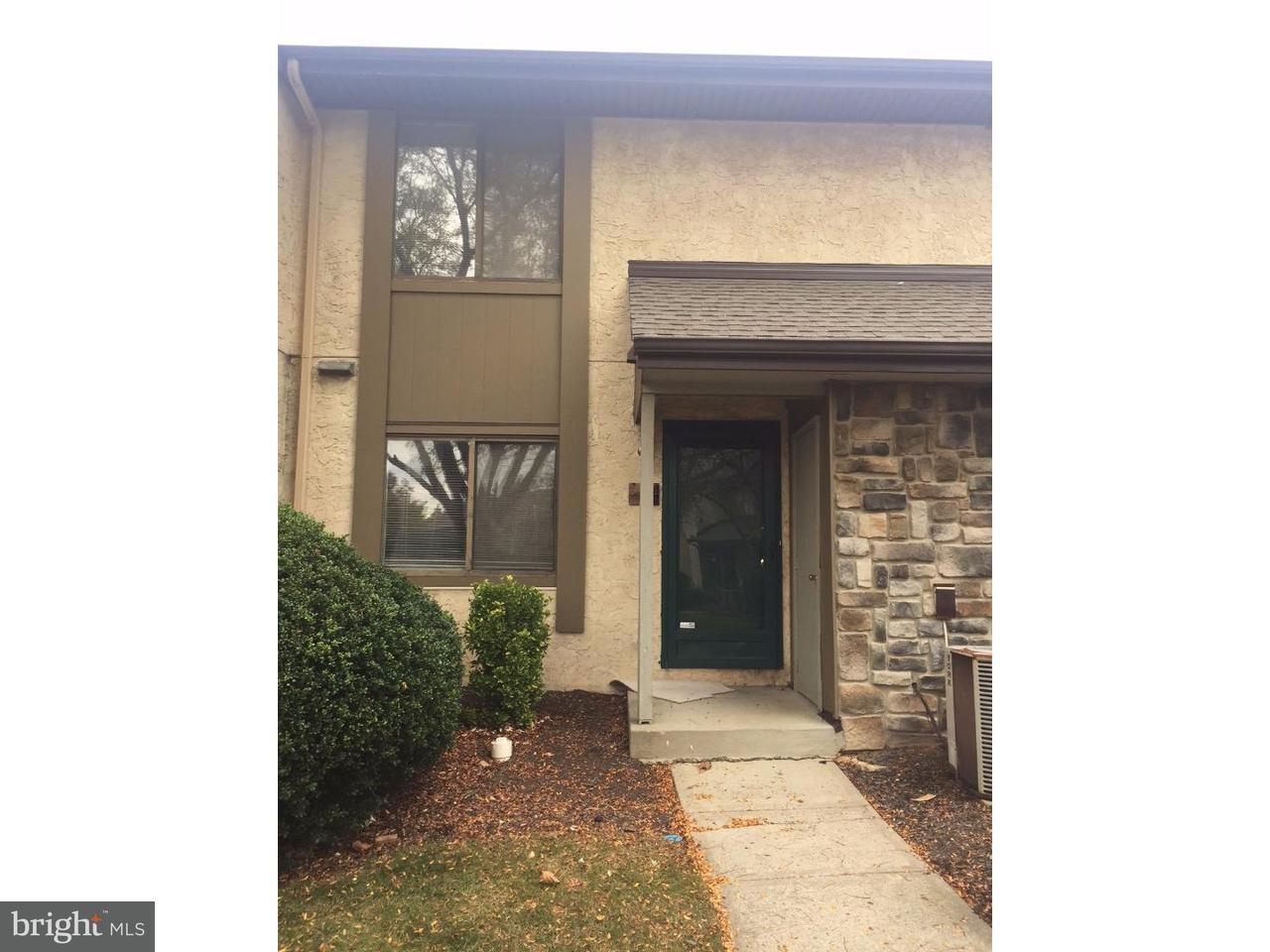 Condominio per Vendita alle ore 11 HAMPSHIRE Drive Plainsboro, New Jersey 08536 Stati UnitiIn/In giro: Plainsboro Township
