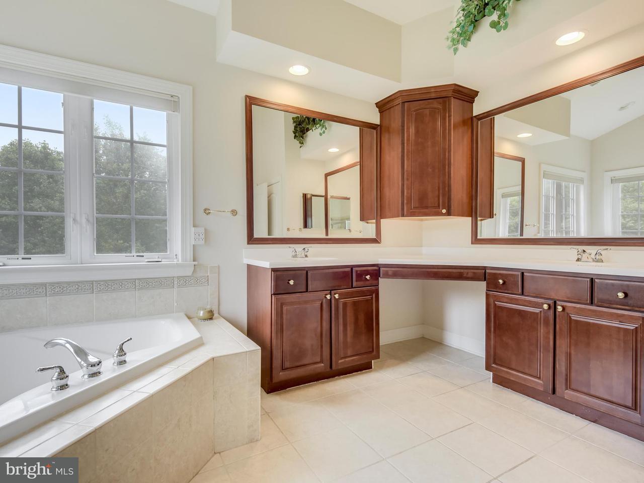 Additional photo for property listing at 5 LOCKSLEY Court 5 LOCKSLEY Court Phoenix, 马里兰州 21131 美国