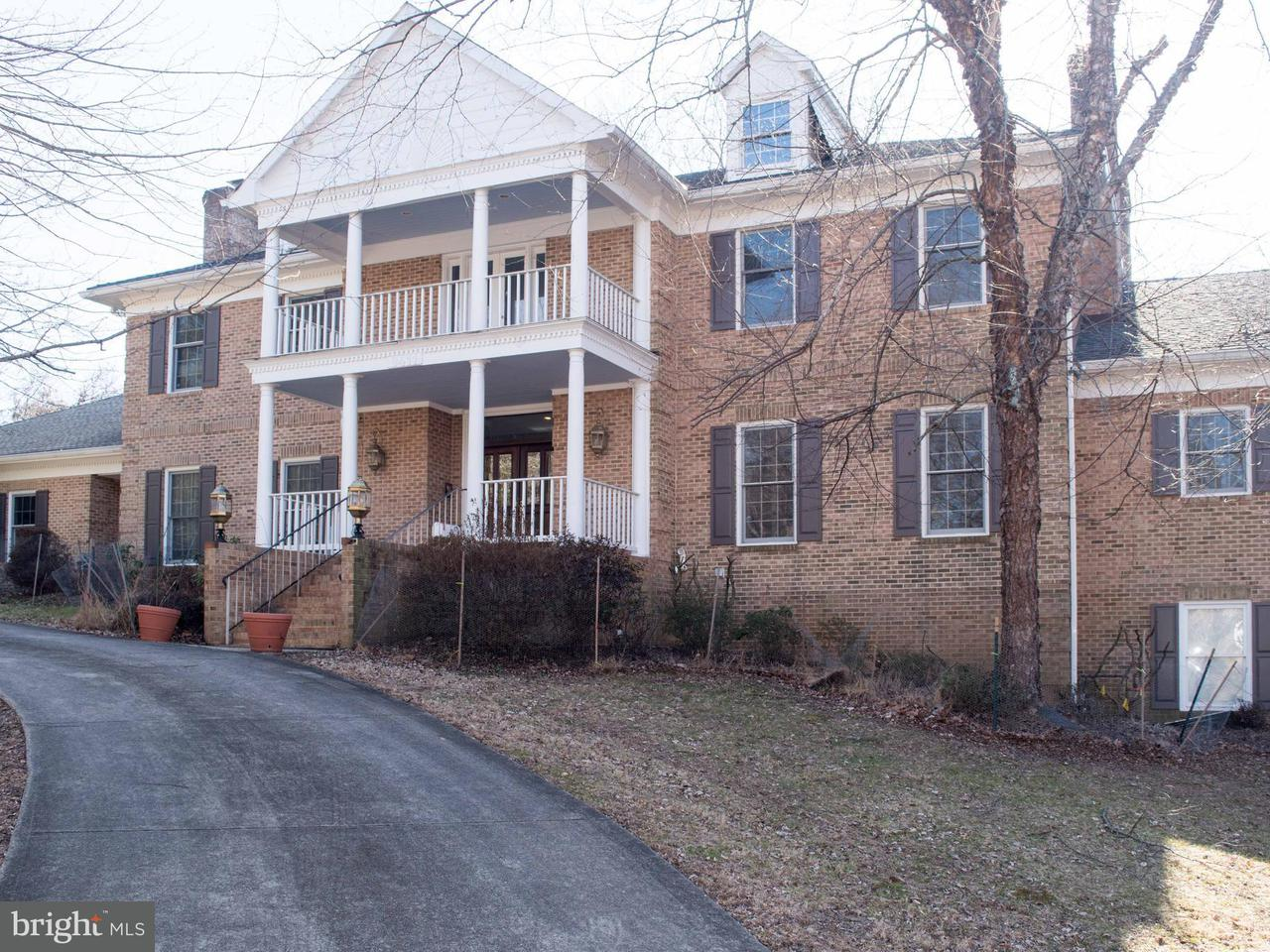 Single Family Home for Sale at 9411 Arnon Chapel Road 9411 Arnon Chapel Road Great Falls, Virginia 22066 United States