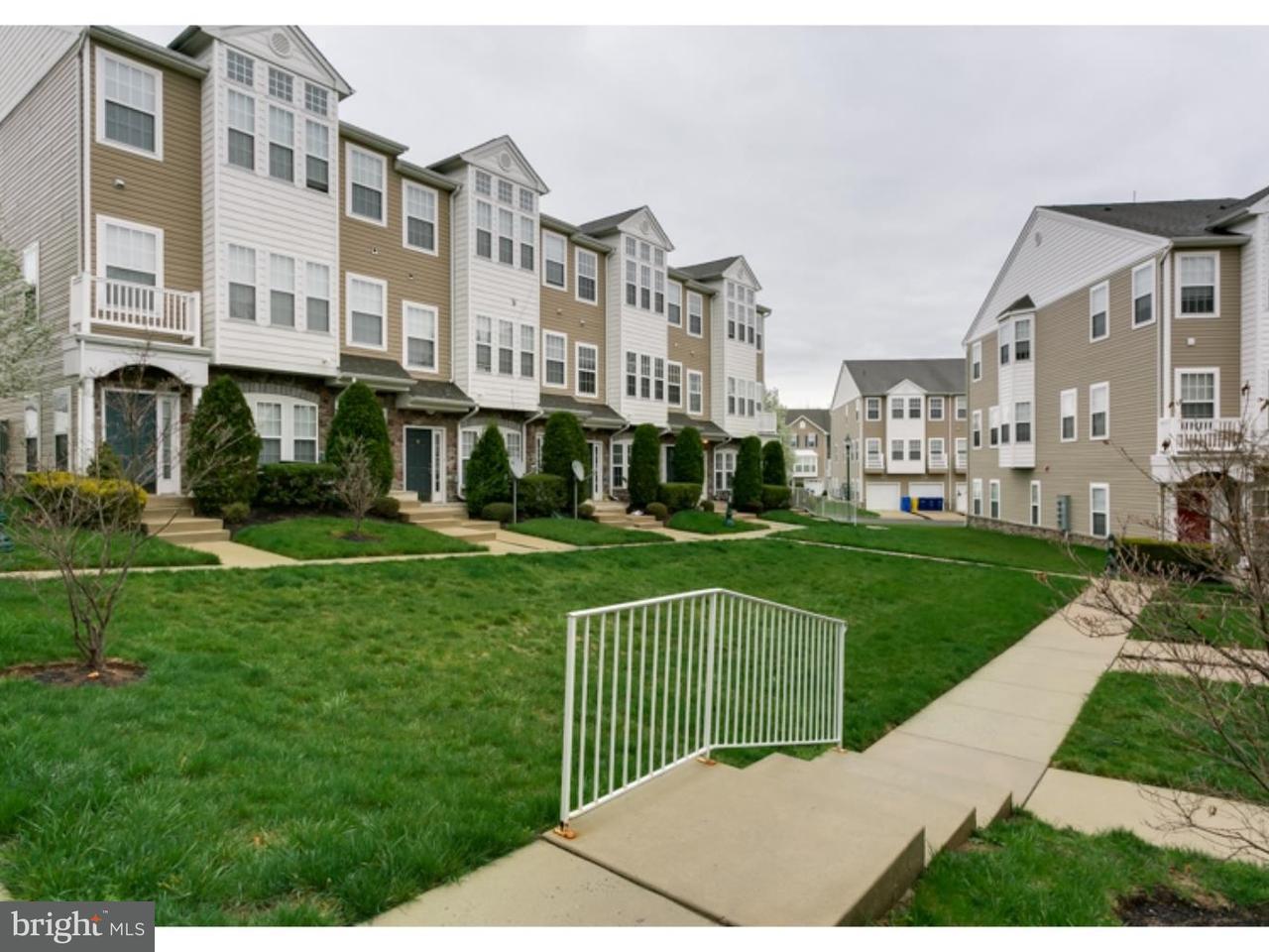 Appartement en copropriété pour l Vente à 8 TEAL Court Delanco Township, New Jersey 08075 États-Unis