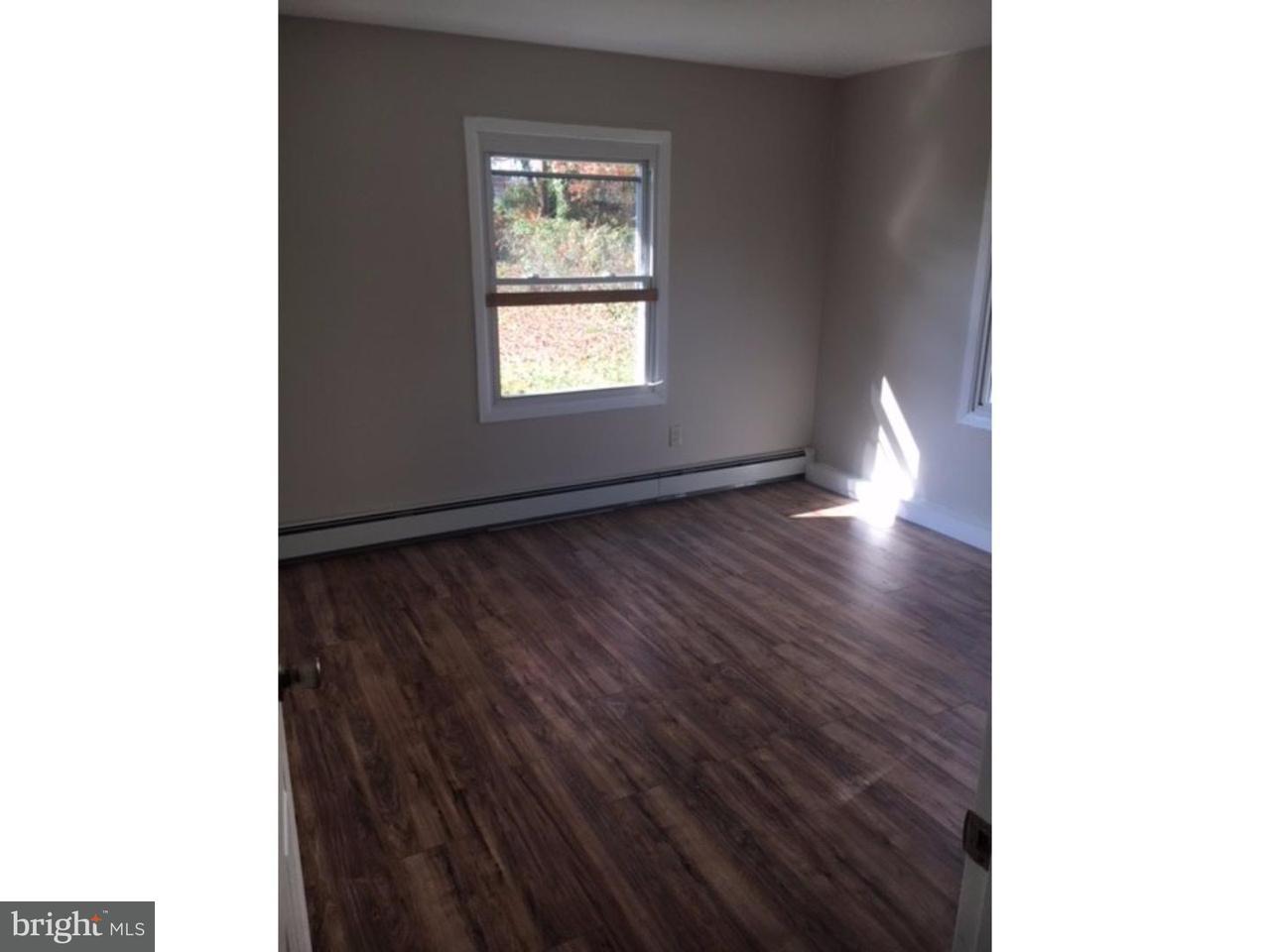 Casa Unifamiliar por un Alquiler en 29 MANDOLIN Lane Willingboro, Nueva Jersey 08046 Estados Unidos