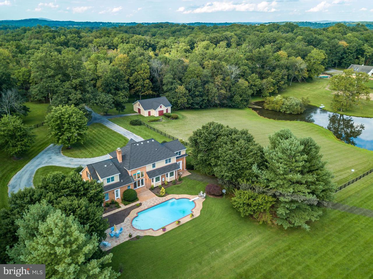 獨棟家庭住宅 為 出售 在 20082 UNISON Road 20082 UNISON Road Purcellville, 弗吉尼亞州 20132 美國