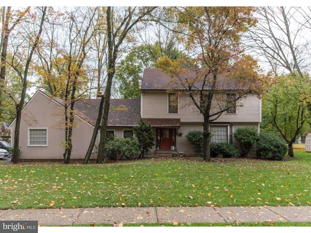 Enfamiljshus för Försäljning vid 27 MOHAWK Avenue New Britain, Pennsylvania 18901 Usa