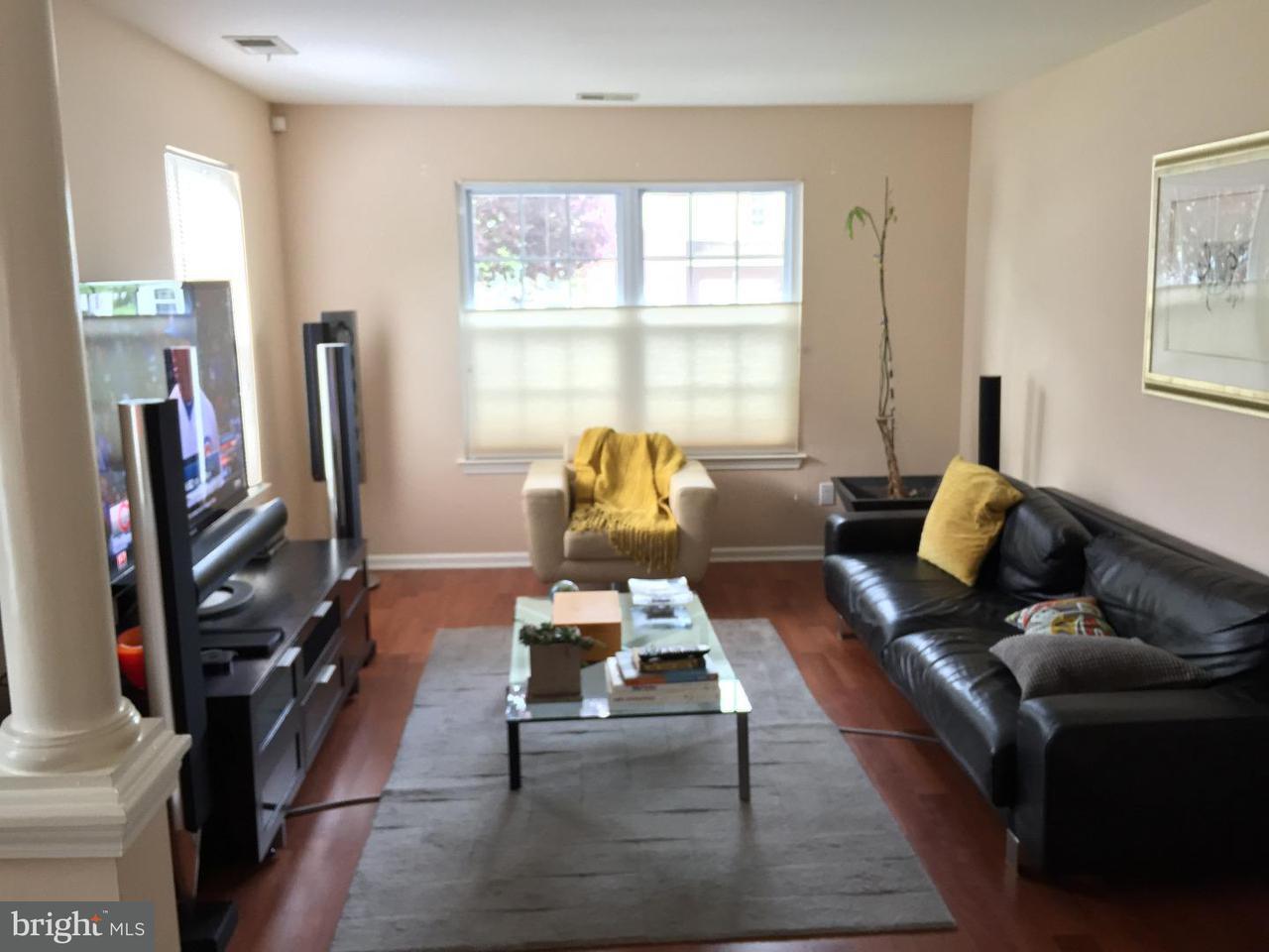 Appartement en copropriété pour l Vente à 272 FOUNTAYNE Lane Lawrenceville, New Jersey 08648 États-UnisDans/Autour: Lawrence Township
