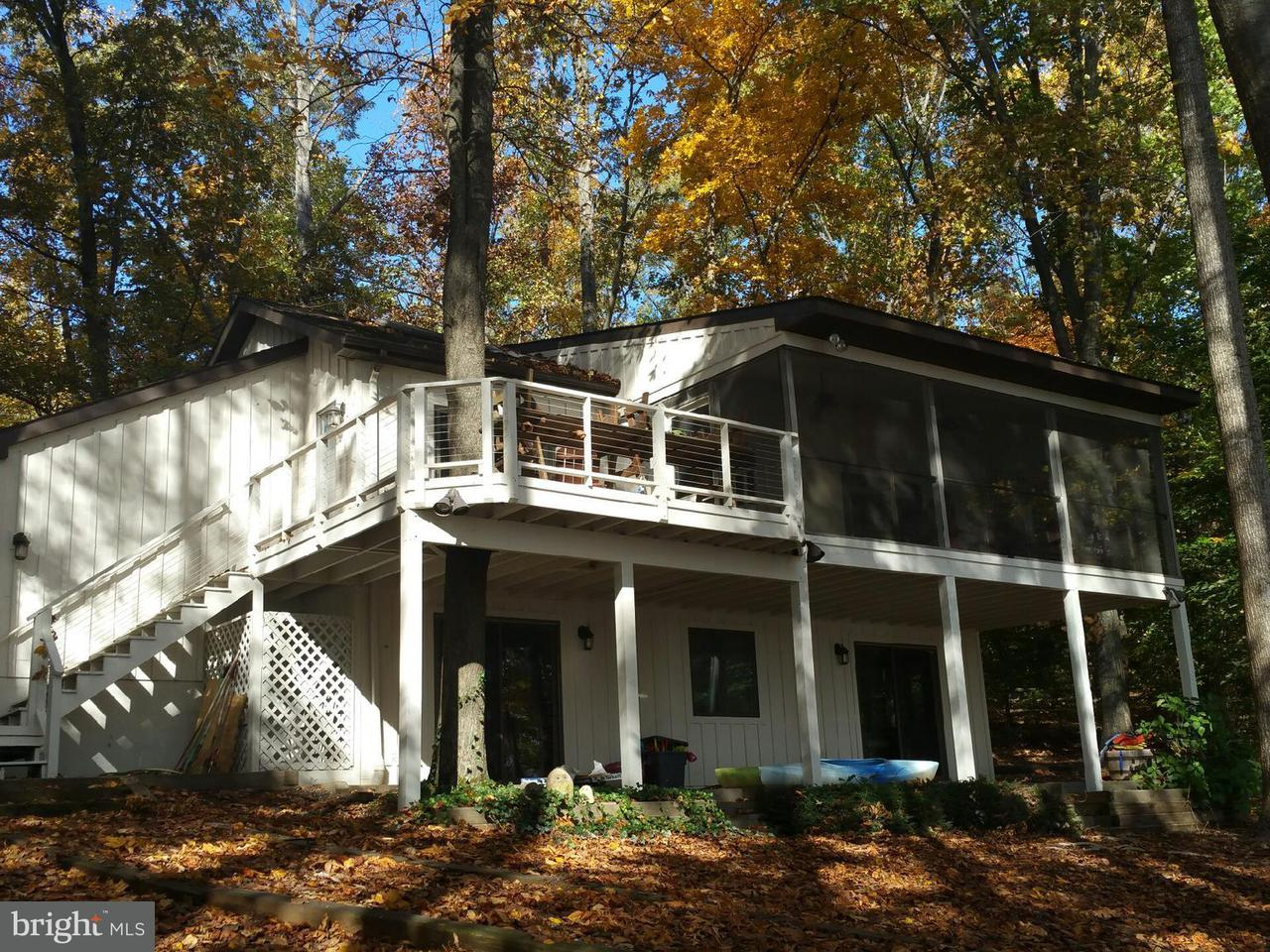 独户住宅 为 销售 在 2702 BLOUNT Drive 2702 BLOUNT Drive Bumpass, 弗吉尼亚州 23024 美国