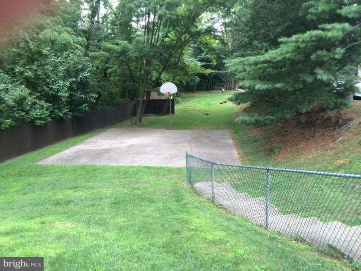 Additional photo for property listing at 400 GLENDALE RD #J13  Havertown, Pennsylvania 19083 Estados Unidos