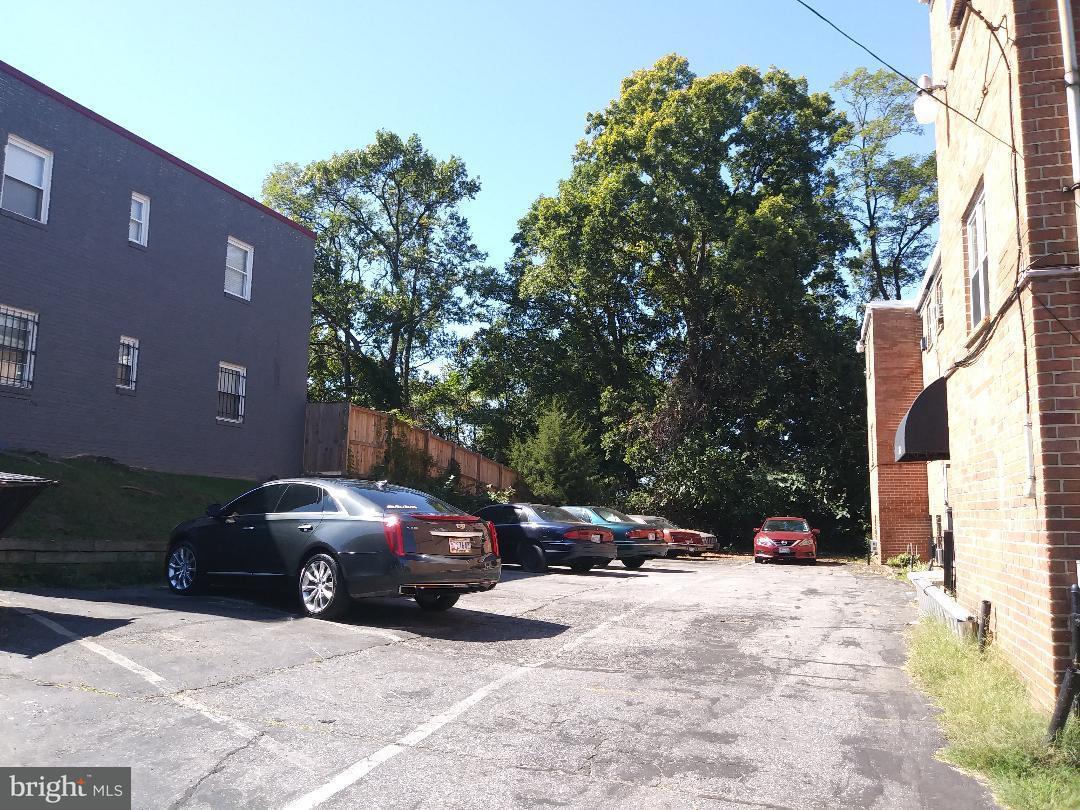 Additional photo for property listing at 526 59th St Ne 526 59th St Ne Washington, 哥倫比亞特區 20019 美國