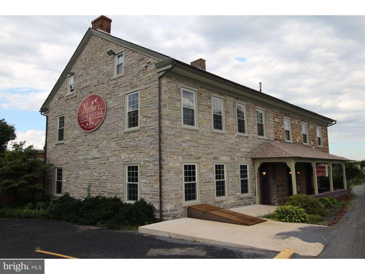 Maison unifamiliale pour l Vente à 15305 E KUTZTOWN Road Kutztown, Pennsylvanie 19530 États-Unis