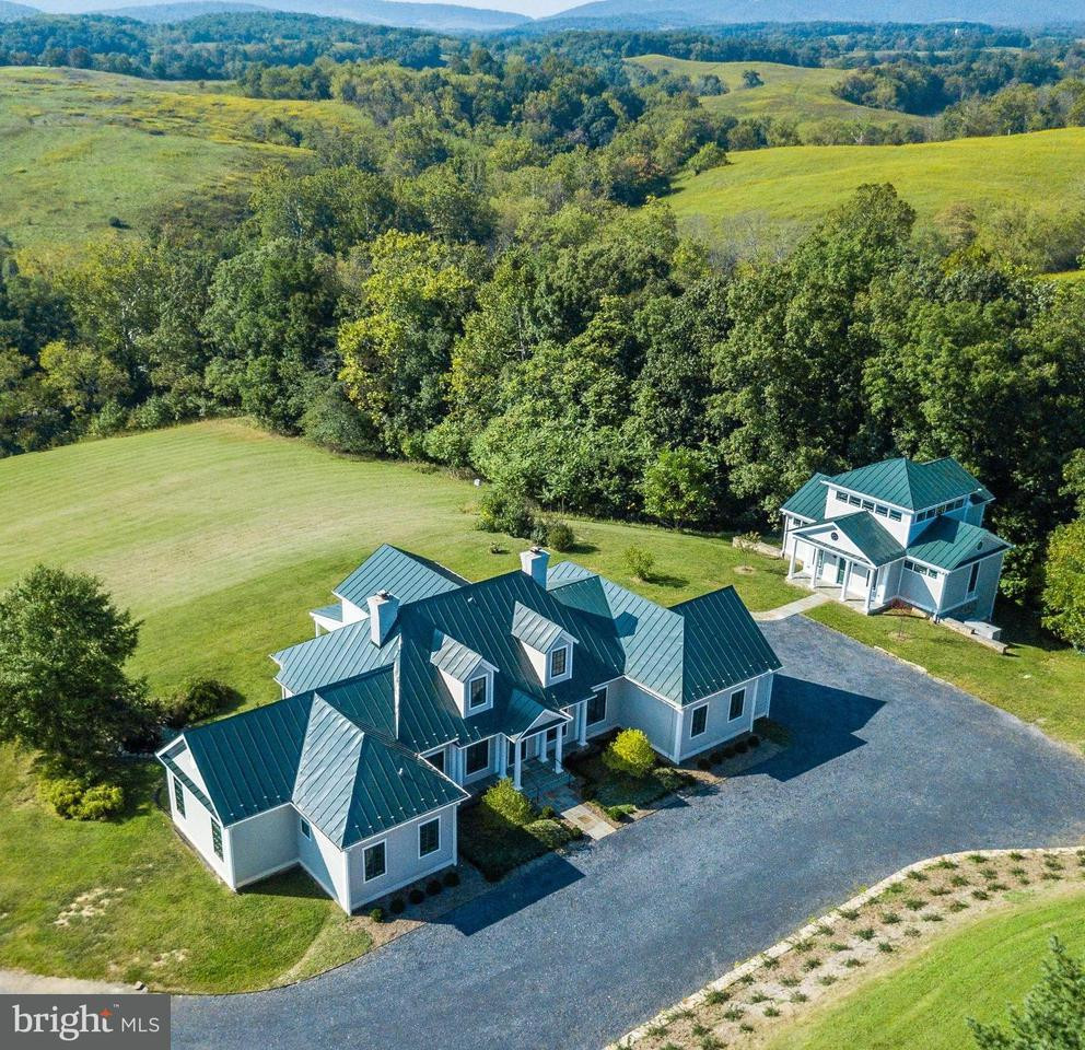 Single Family Home for Sale at 8640 MAIDSTONE Road 8640 MAIDSTONE Road Delaplane, Virginia 20144 United States