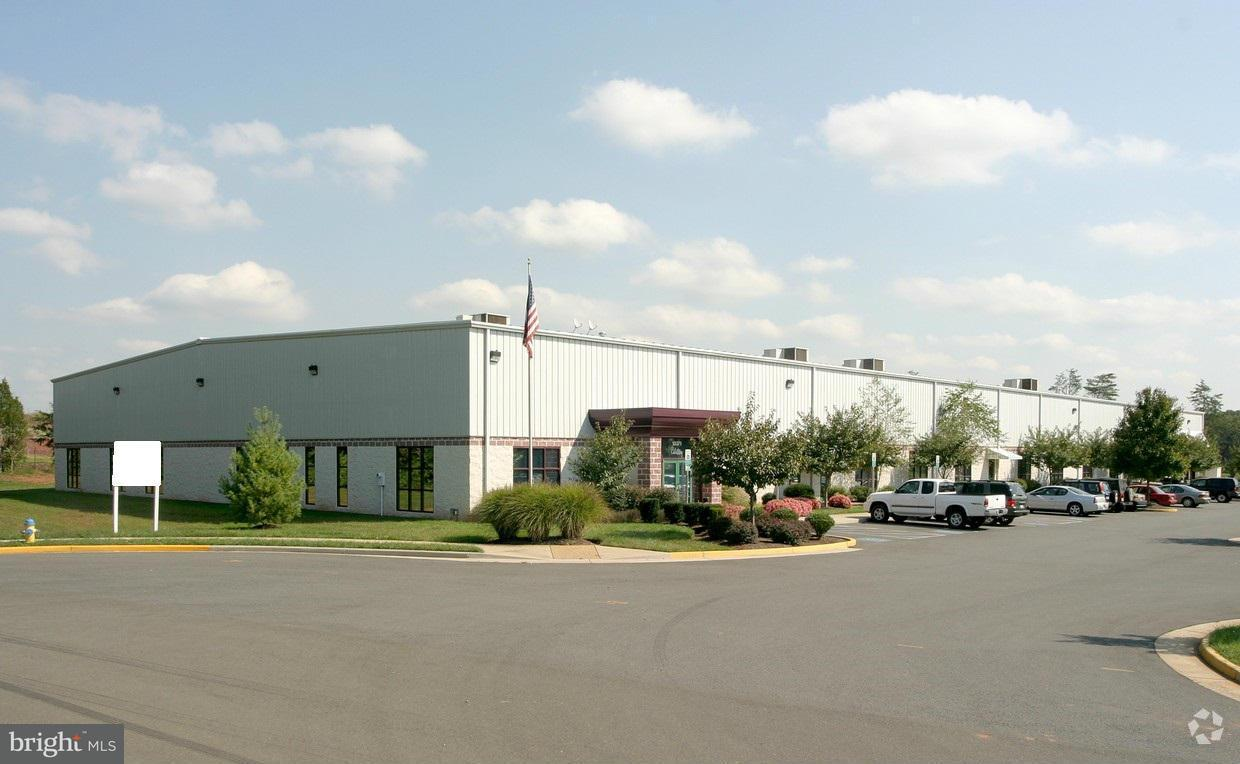 Commercial for Sale at 10371 CENTRAL PARK Drive 10371 CENTRAL PARK Drive Manassas, Virginia 20110 United States