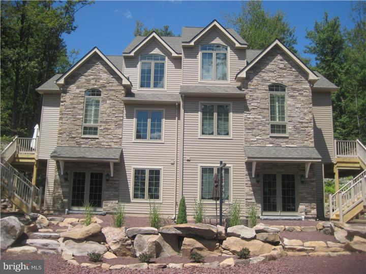 联栋屋 为 销售 在 33 SUMMITWIND Drive Lake Harmony, 宾夕法尼亚州 18624 美国
