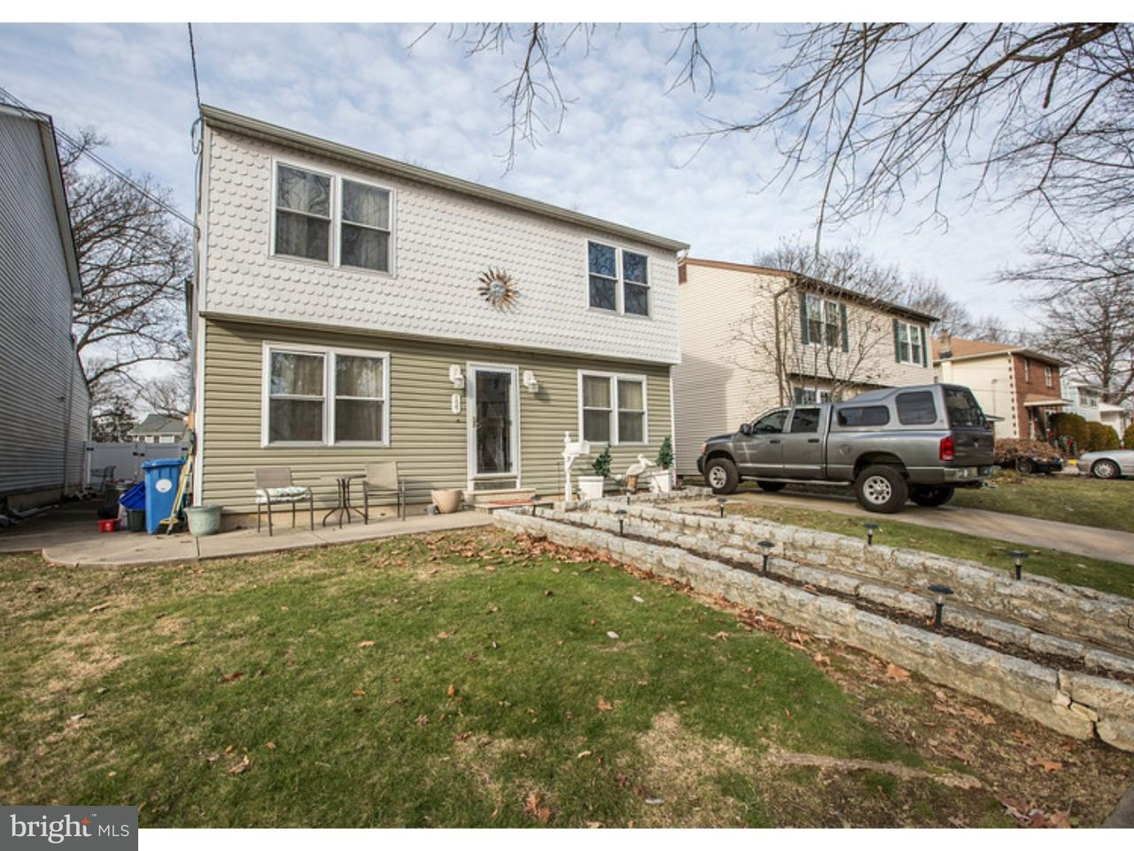 Maison unifamiliale pour l Vente à 127 W HOLLY Avenue Oaklyn, New Jersey 08107 États-Unis