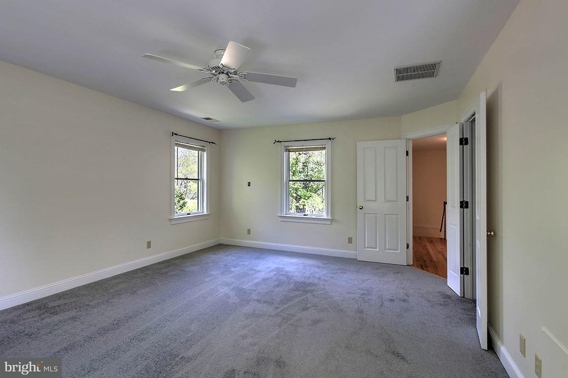 Additional photo for property listing at 7860 GREENWOOD STATION Road 7860 GREENWOOD STATION Road Greenwood, Virginia 22943 Estados Unidos