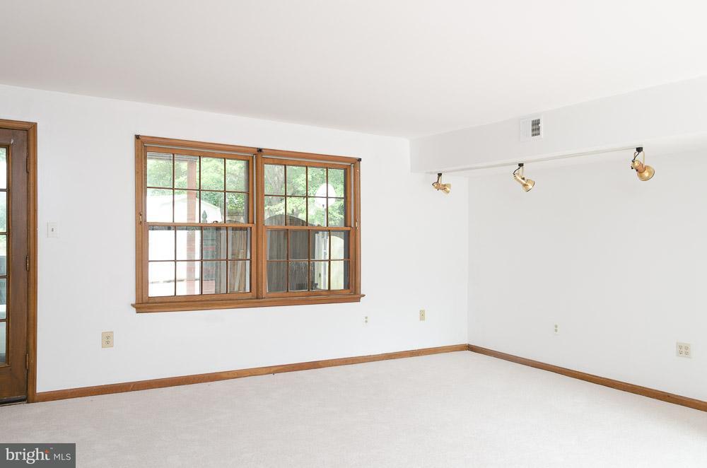 Additional photo for property listing at 2616 OSAGE Street 2616 OSAGE Street Adelphi, Maryland 20783 Estados Unidos