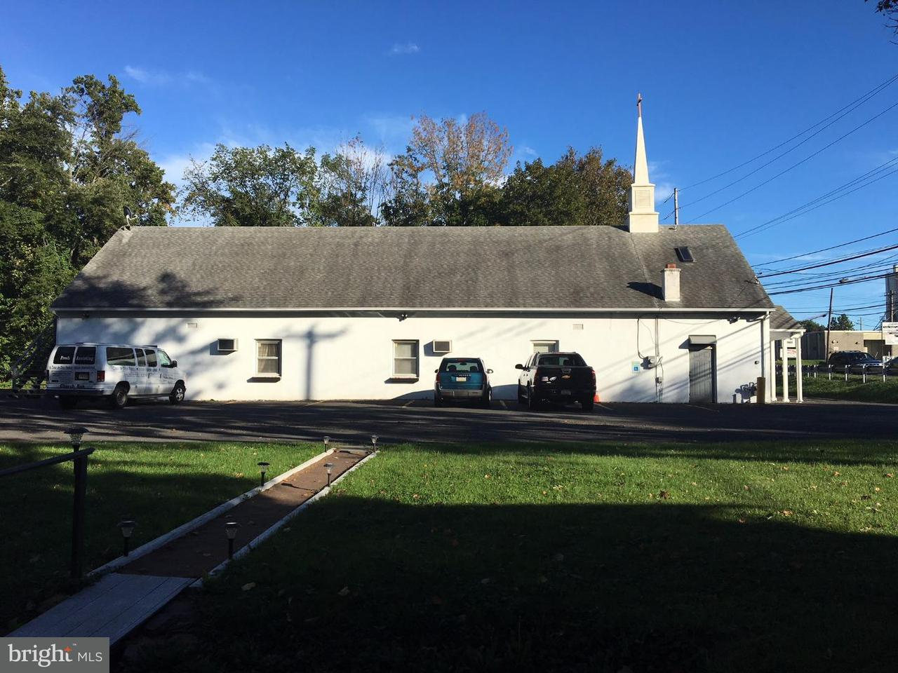 Single Family Home for Sale at 245 COUNTY LINE Road Hatboro, Pennsylvania 19040 United States