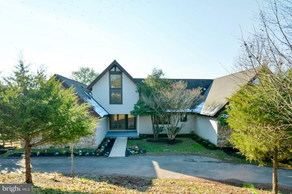 Villa per Vendita alle ore 9741 Windy Hill Drive 9741 Windy Hill Drive Nokesville, Virginia 20181 Stati Uniti