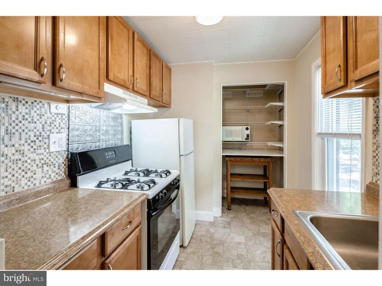 Частный односемейный дом для того Аренда на 146 VIRGINIA Avenue Audubon, Нью-Джерси 08106 Соединенные Штаты