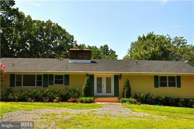 Single Family Home for Sale at 10215 EAST HUNTER VALLEY Road 10215 EAST HUNTER VALLEY Road Vienna, Virginia 22181 United States