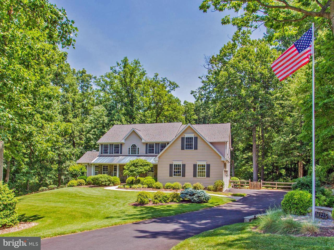 Maison unifamiliale pour l Vente à 16225 BLACK ROCK Road 16225 BLACK ROCK Road Darnestown, Maryland 20874 États-Unis