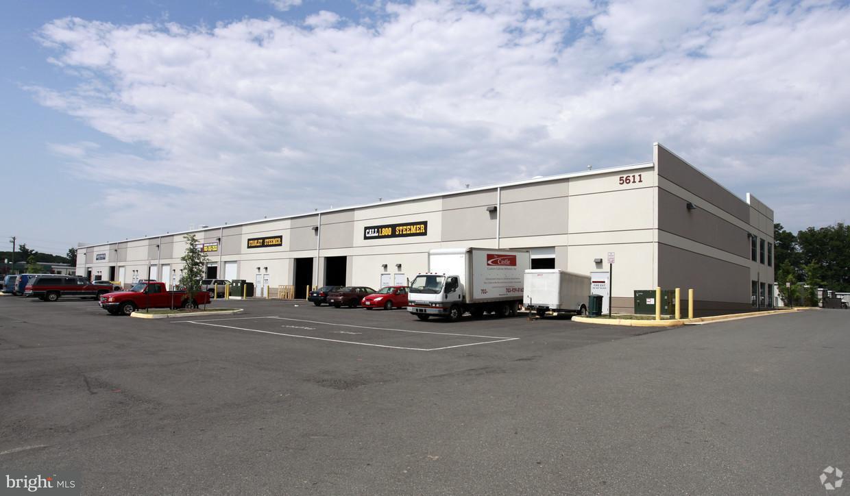 商用 為 出售 在 5611 WELLINGTON RD #101 5611 WELLINGTON RD #101 Gainesville, 弗吉尼亞州 20155 美國