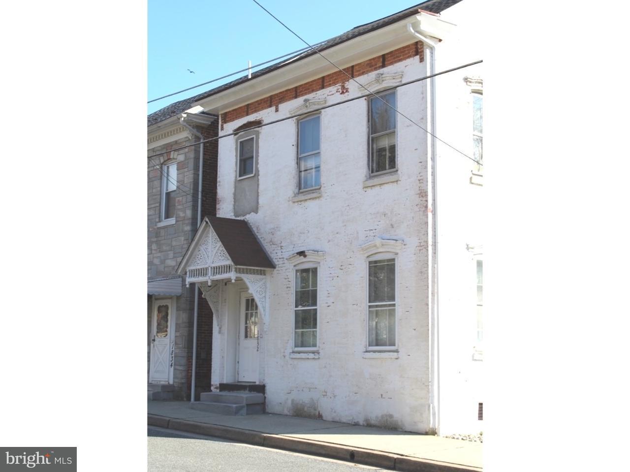 Quadraplex pour l Vente à 1832 N MAIN Street Bechtelsville, Pennsylvanie 19505 États-Unis