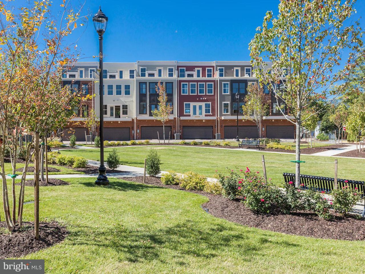 Additional photo for property listing at 3957 Oak St #0 3957 Oak St #0 Fairfax, Virginia 22030 Estados Unidos