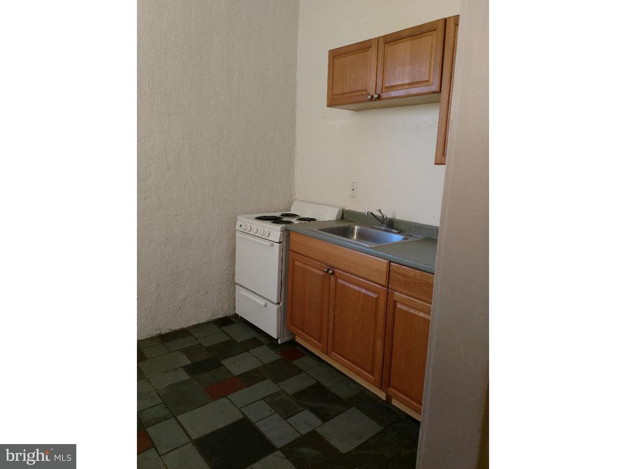 Частный односемейный дом для того Аренда на 29,29-31 E BROAD Street Paulsboro, Нью-Джерси 08066 Соединенные Штаты