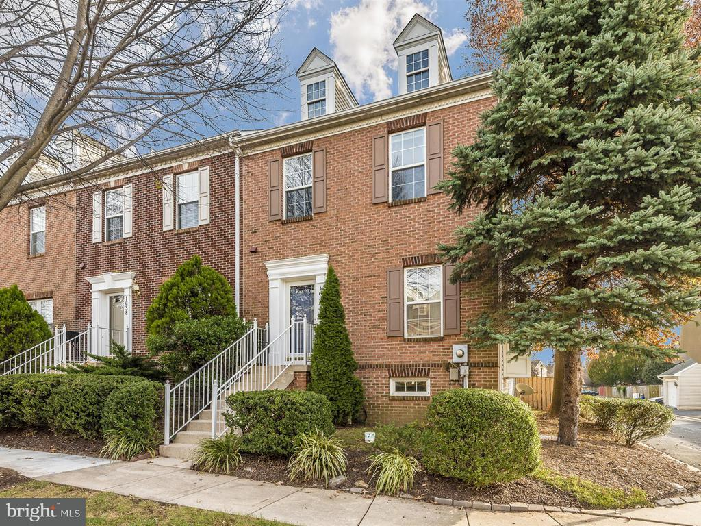 1636 COOPERS WAY, Frederick MD 21701