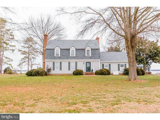 Einfamilienhaus für Verkauf beim 283 DAINGERFIELD Road 283 DAINGERFIELD Road Tappahannock, Virginia 22560 Vereinigte Staaten