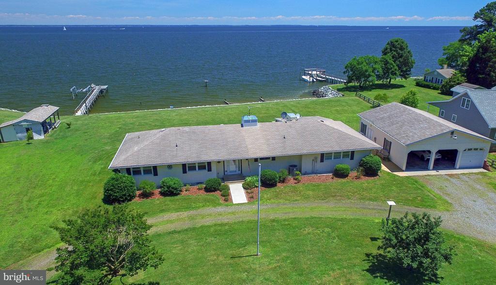 Single Family for Sale at 2572 Skipjack Rd Kinsale, Virginia 22488 United States