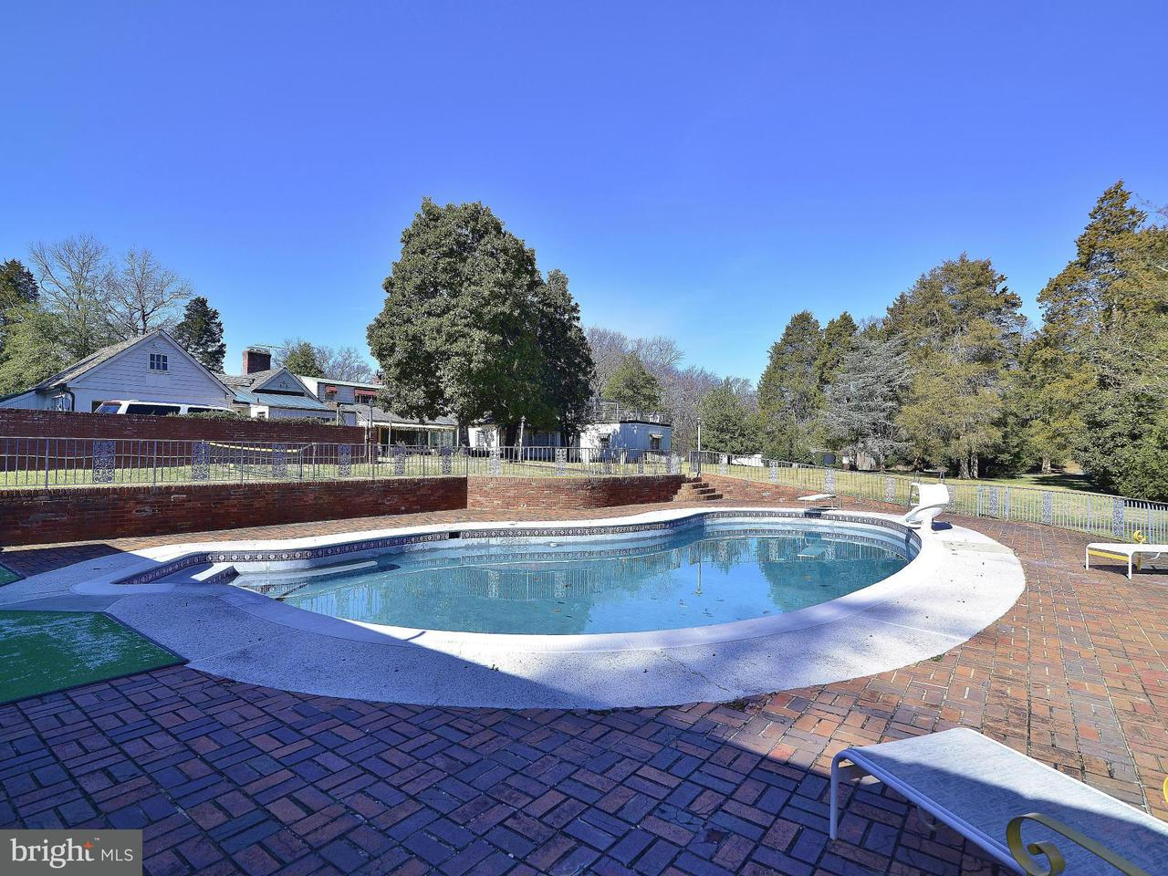 Additional photo for property listing at 1000 HERBERT SPRINGS Road 1000 HERBERT SPRINGS Road Alexandria, Virginia 22308 United States