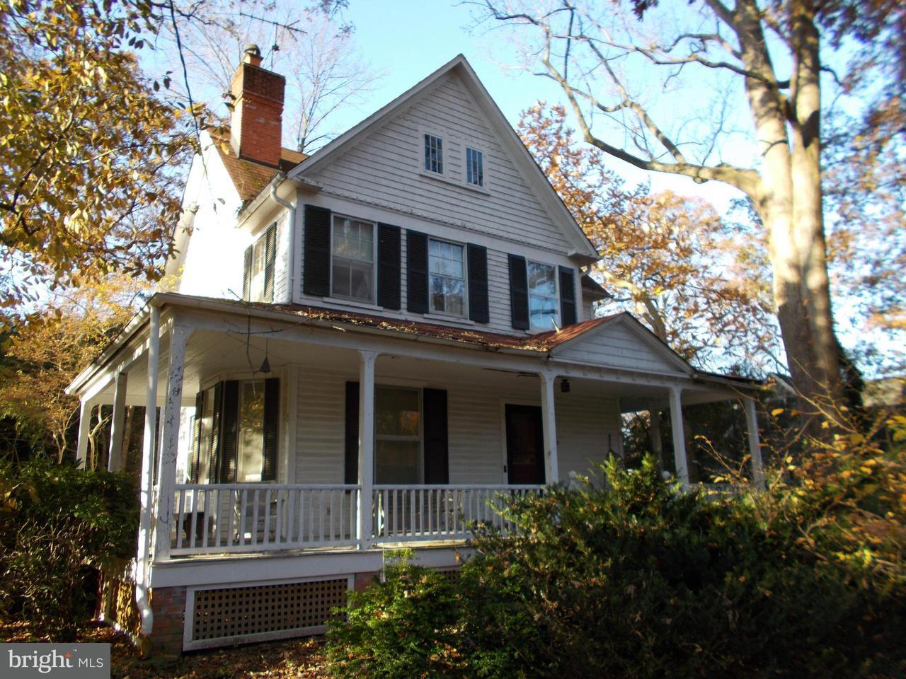 Частный односемейный дом для того Продажа на 11112 KENILWORTH Avenue 11112 KENILWORTH Avenue Garrett Park, Мэриленд 20896 Соединенные Штаты
