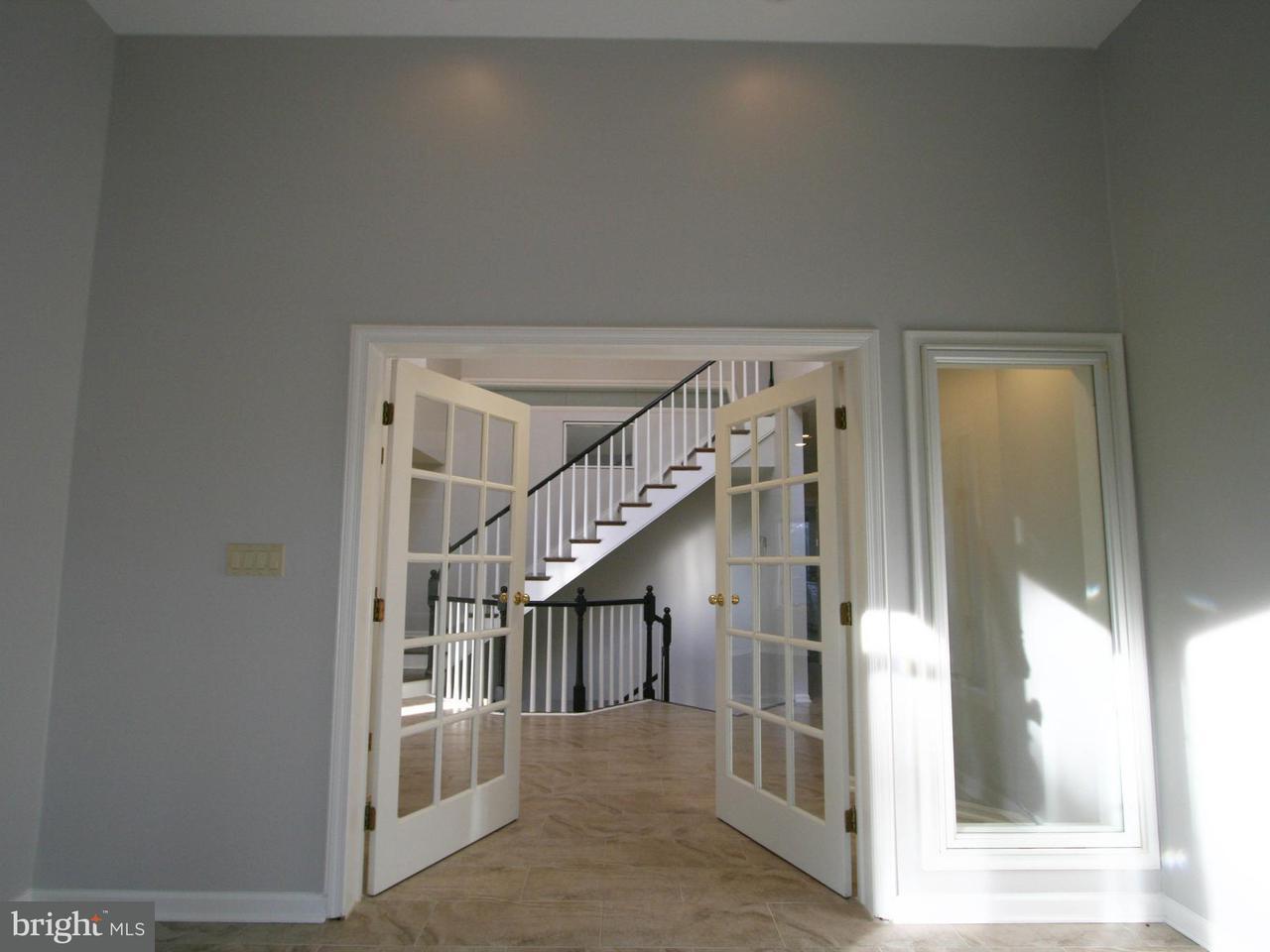 Maison unifamiliale pour l Vente à 6605 CORINA COURT 6605 CORINA COURT Columbia, Maryland 21044 États-Unis