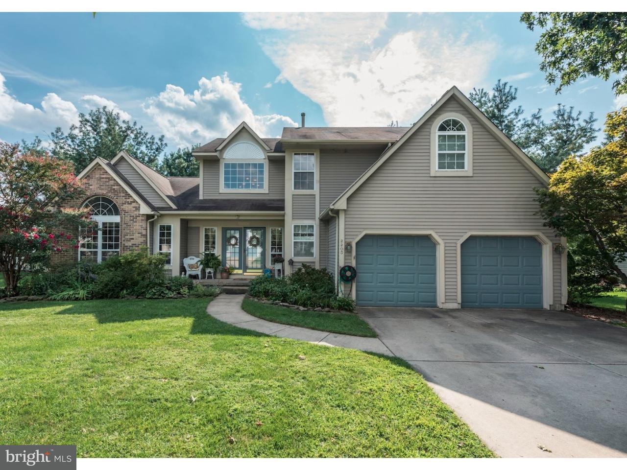 Maison unifamiliale pour l Vente à 2203 BERWICK Drive Cinnaminson, New Jersey 08077 États-Unis