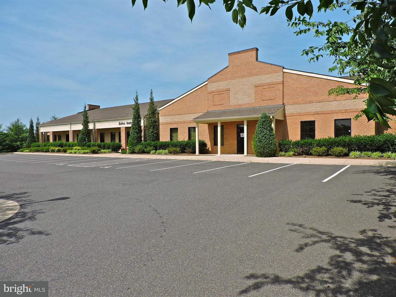 Commercieel voor Verkoop een t 19002 CROSSROAD PKWY 19002 CROSSROAD PKWY Culpeper, Virginia 22701 Verenigde Staten