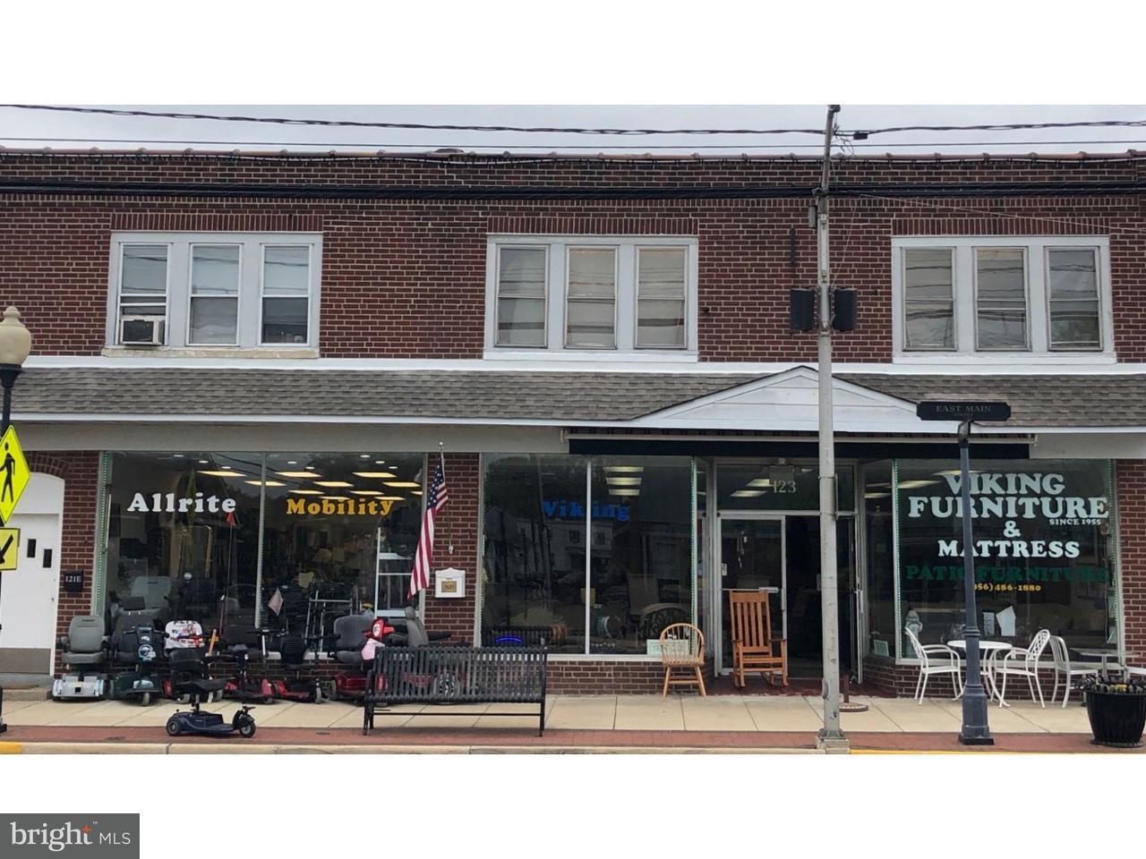 Quadraplex 为 销售 在 123 E MAIN Street Maple Shade, 新泽西州 08052 美国
