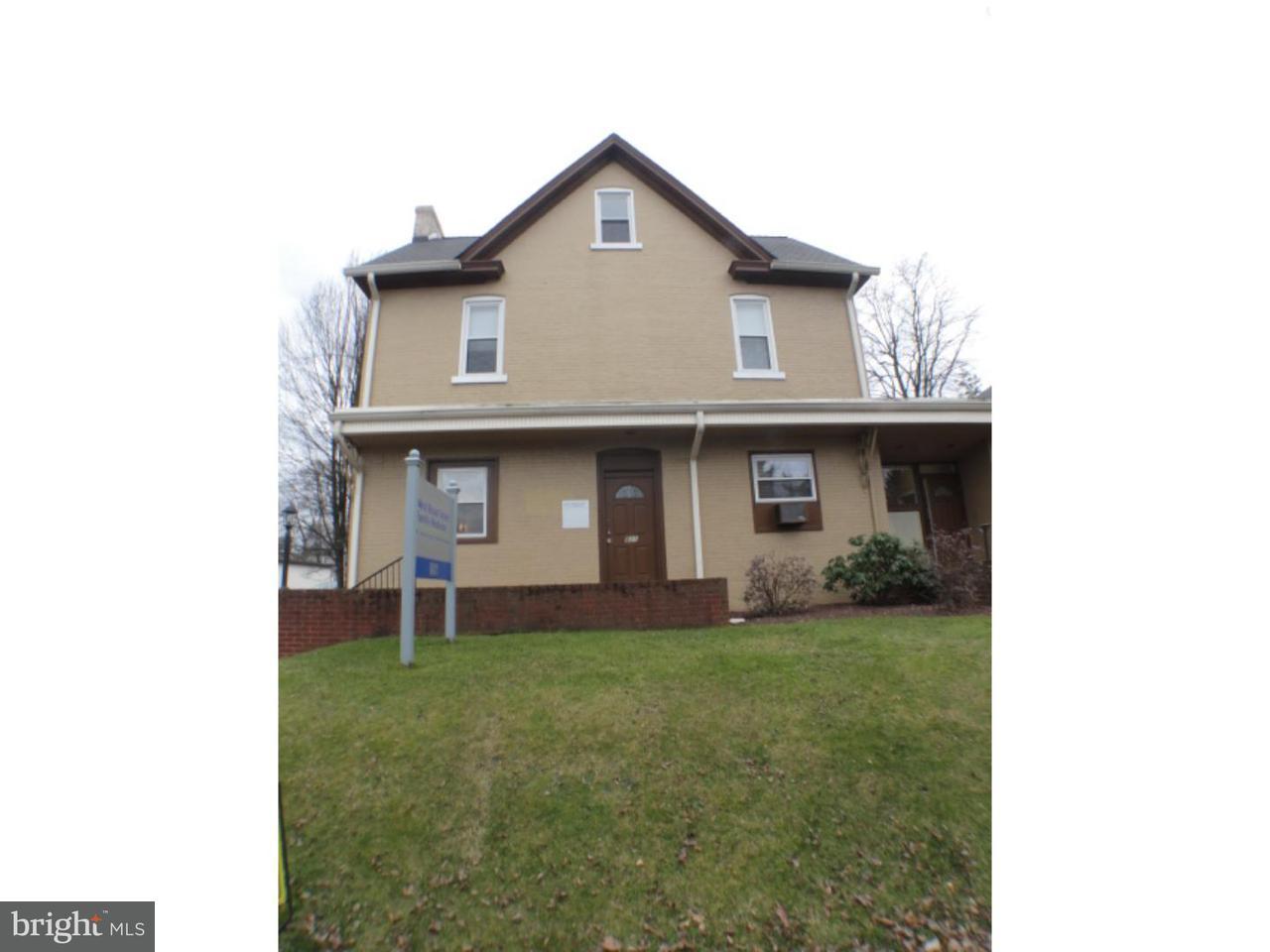 Casa Unifamiliar por un Alquiler en 801 W BROAD ST ##2 Bethlehem, Pennsylvania 18018 Estados Unidos