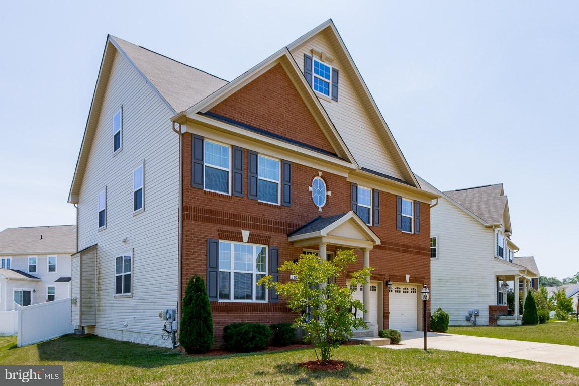 獨棟家庭住宅 為 出售 在 5106 ATLANTIS Lane 5106 ATLANTIS Lane White Plains, 馬里蘭州 20695 美國