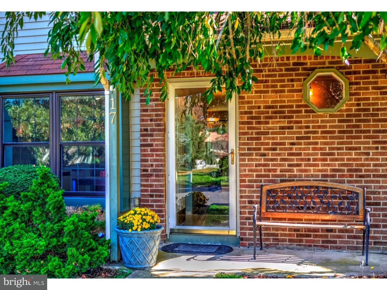 Appartement en copropriété pour l Vente à 17 STRATTON Court Robbinsville, New Jersey 08691 États-UnisDans/Autour: Robbinsville Township