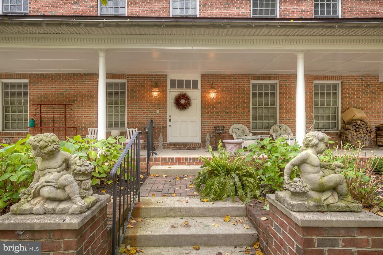 独户住宅 为 销售 在 22 ST THOMAS Lane 22 ST THOMAS Lane Stevenson, 马里兰州 21153 美国