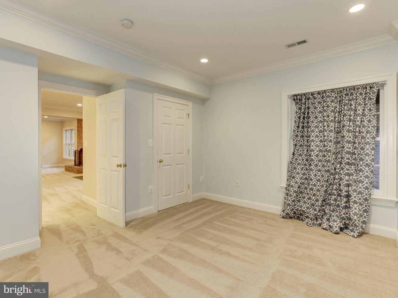 Additional photo for property listing at 7913 Sandalfoot Dr  Potomac, Maryland 20854 United States
